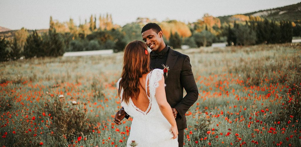 Provence emoi - elopement champetre - rustic wedding provence poppies
