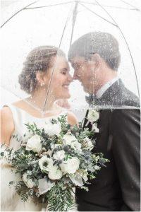 Mariage pluvieux : 3 astuces pour un mariage heureux