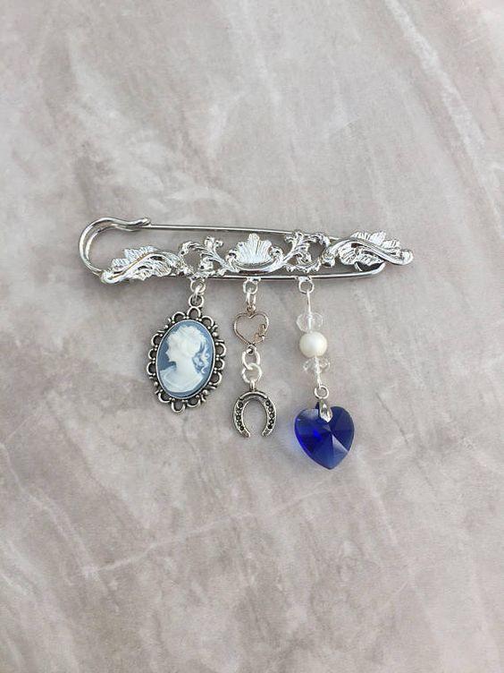Quelque chose de vieux, quelque chose de bleu… – Les porte-bonheur de la mariée